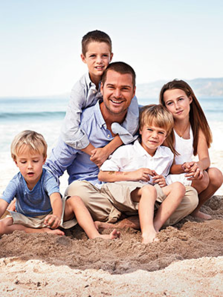 Chris O'Donnell and four of his five children.