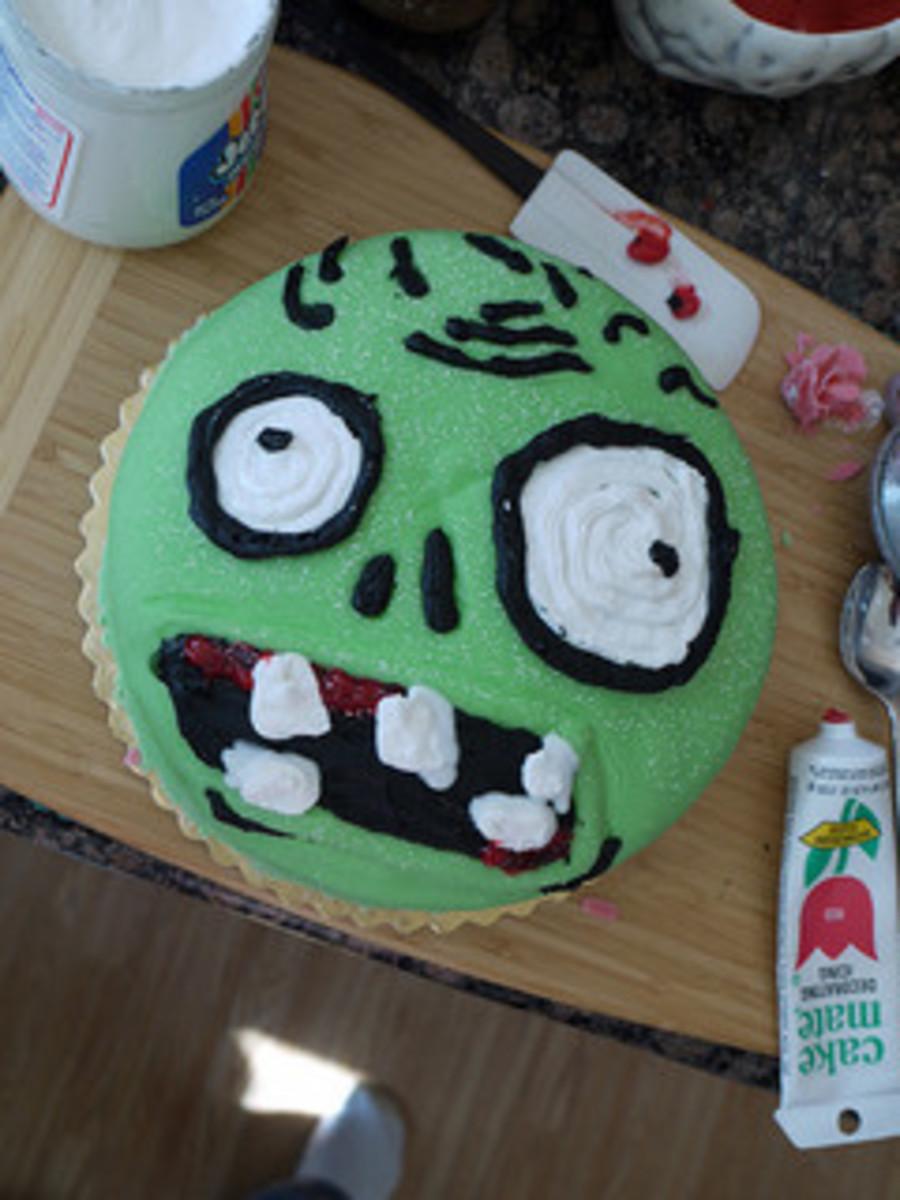 Plants vs Zombies cake by Sally Crossthwaite