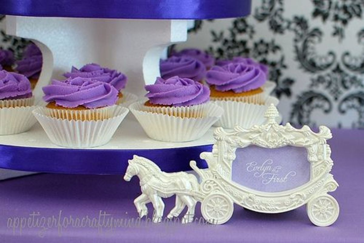 Purple icing Sofia the First Cupcakes