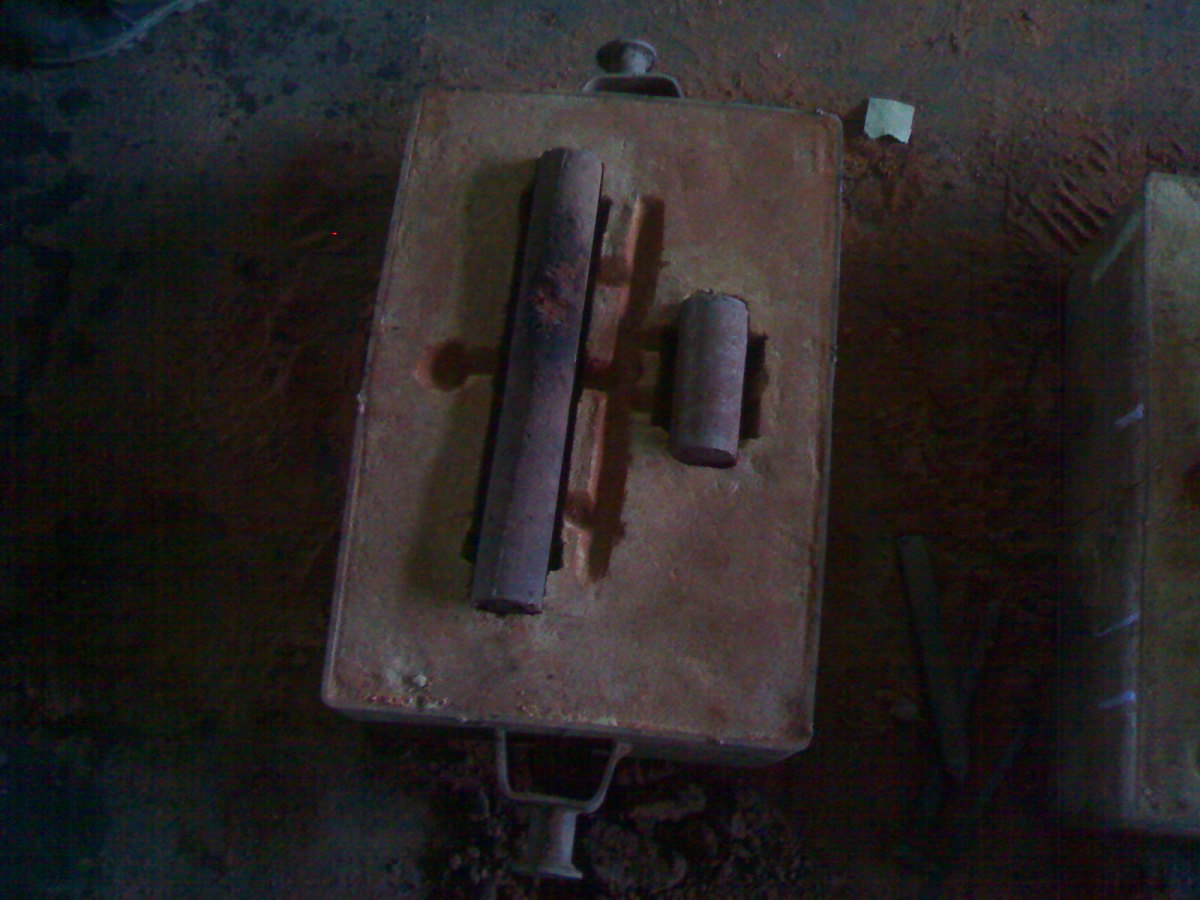 Picture that shows the inserted core used in cylinder casting