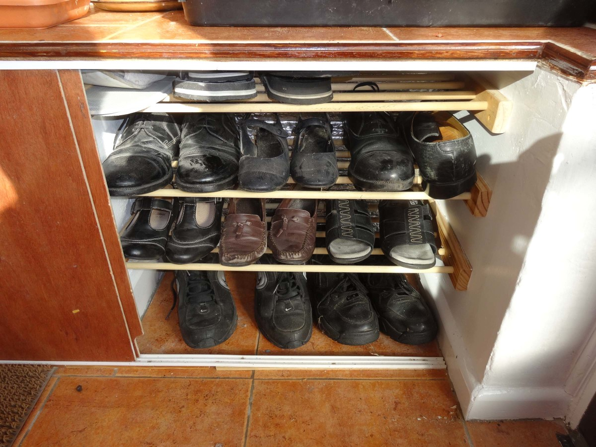 How to Make a Low Budget Built-in Shoe Rack