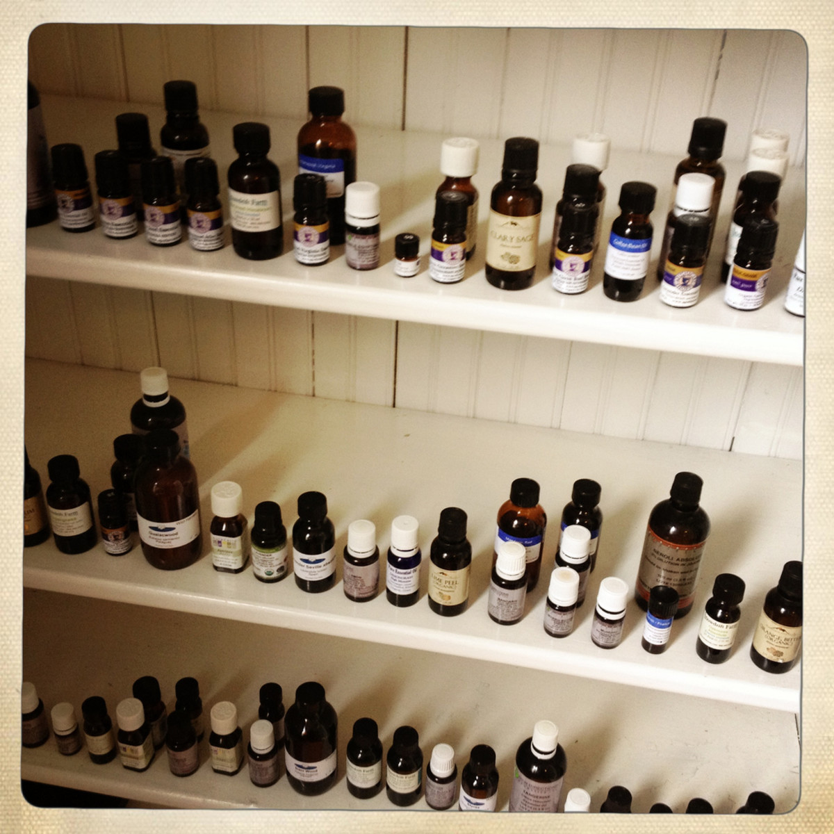 What Are Essential Oils - Their Benefits, Uses and List of Essential Oils