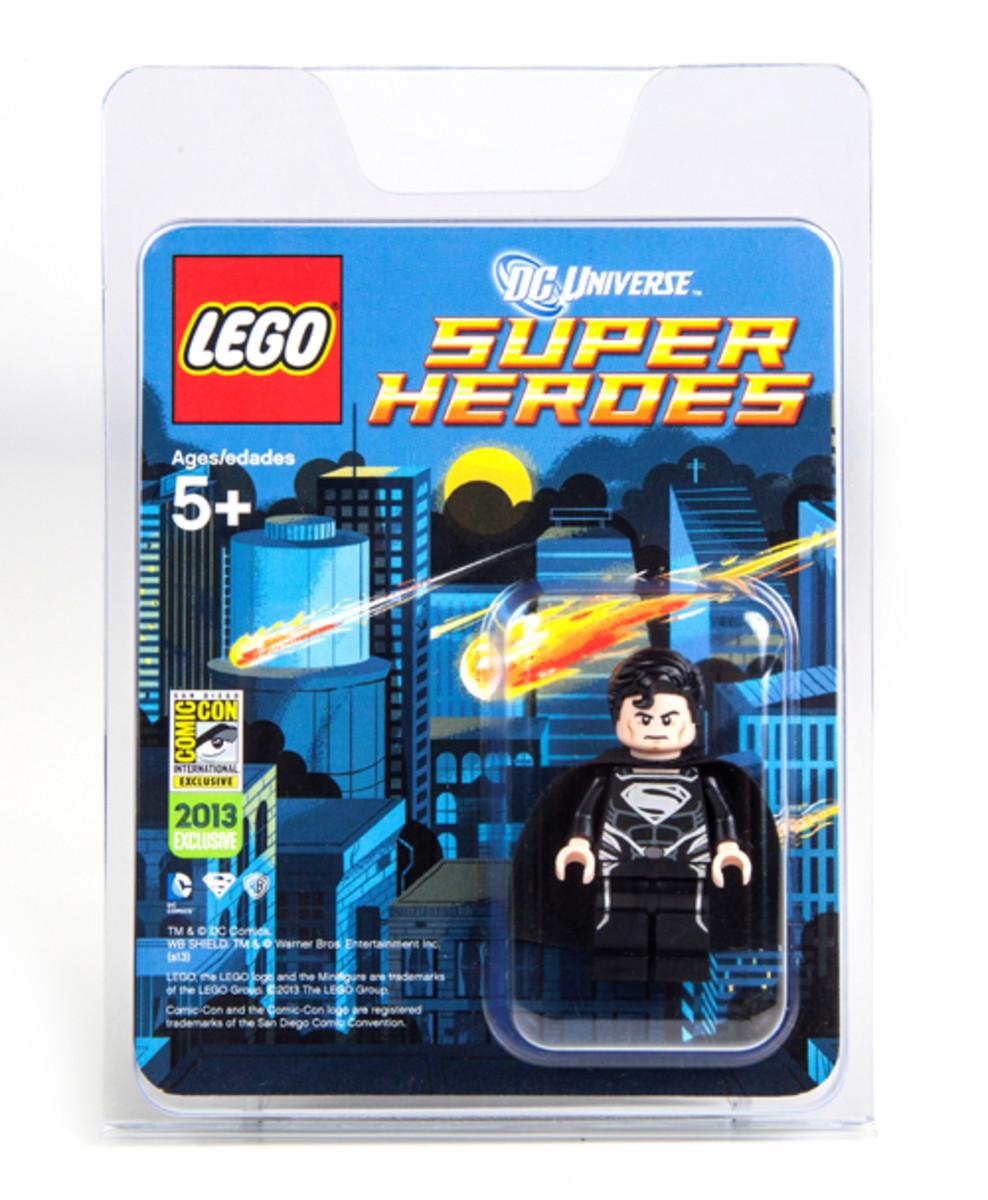 LEGO Super Heroes Superman Black Suit Minifigure SDCC 2013 Box