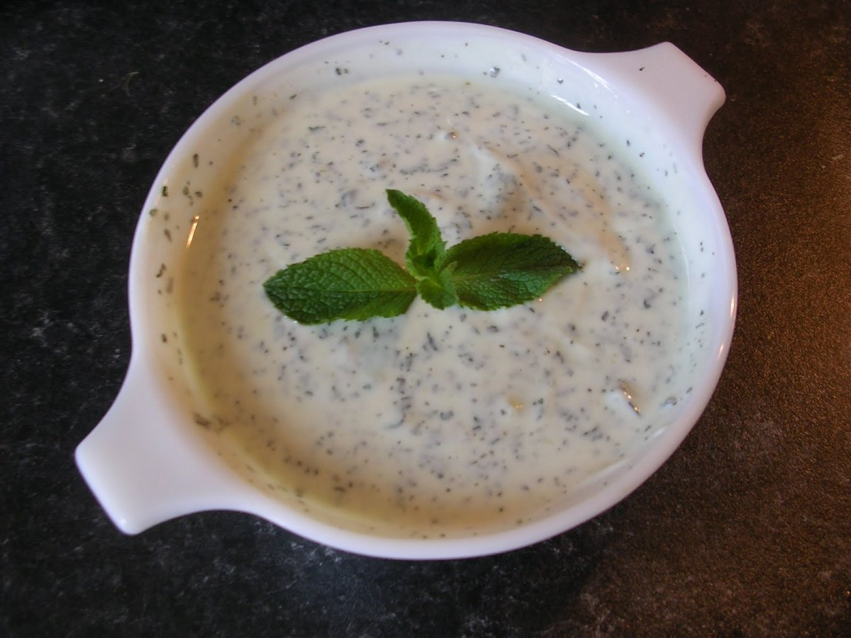 Mint Garlic Yogurt Sauce