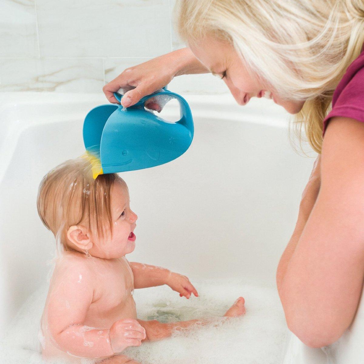 Skip hop moby waterfall bath rinser.