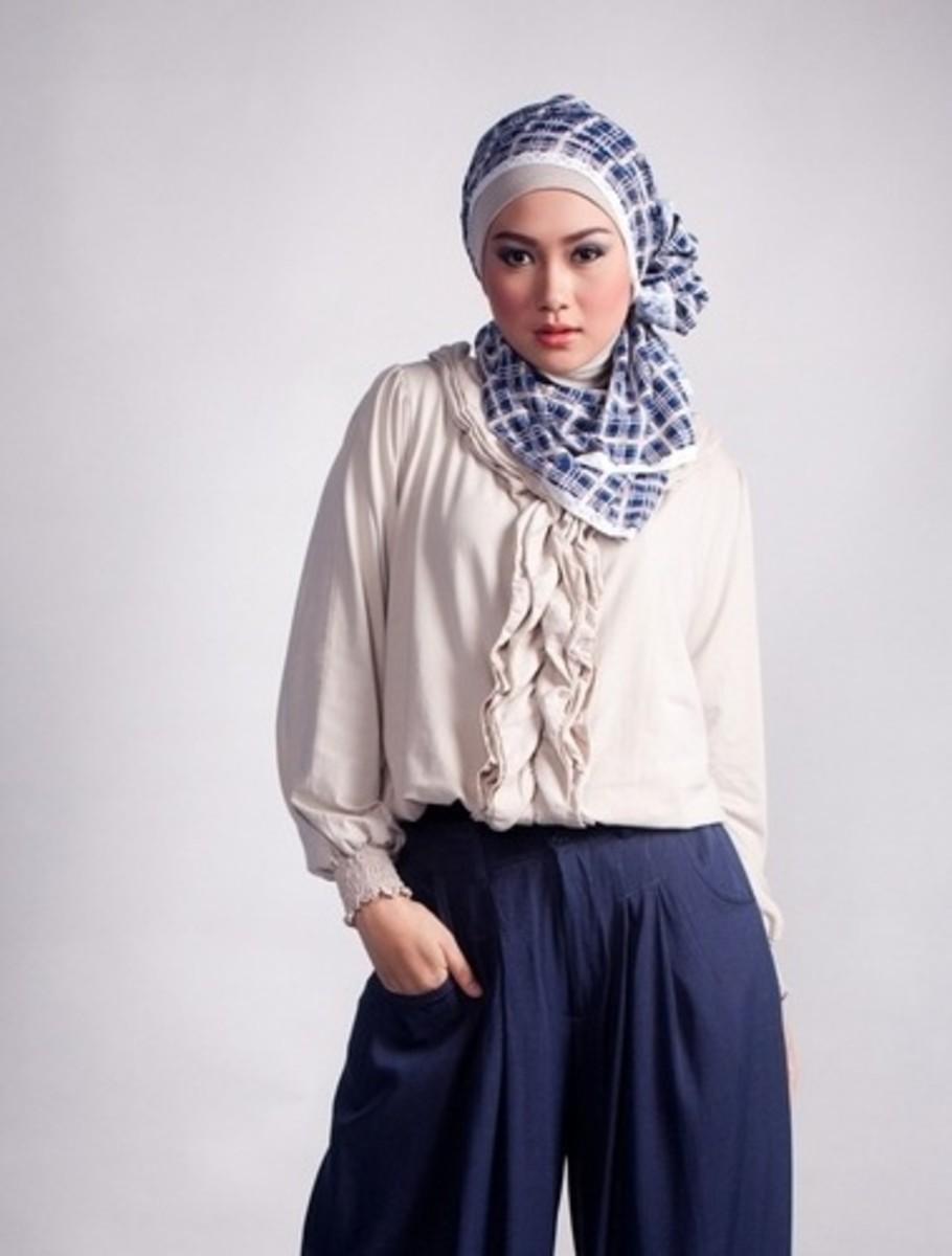 muslima-hijab-styles-trendy-hijab-fashionable-hijab-scarves-photographs-of-women-in-hijab