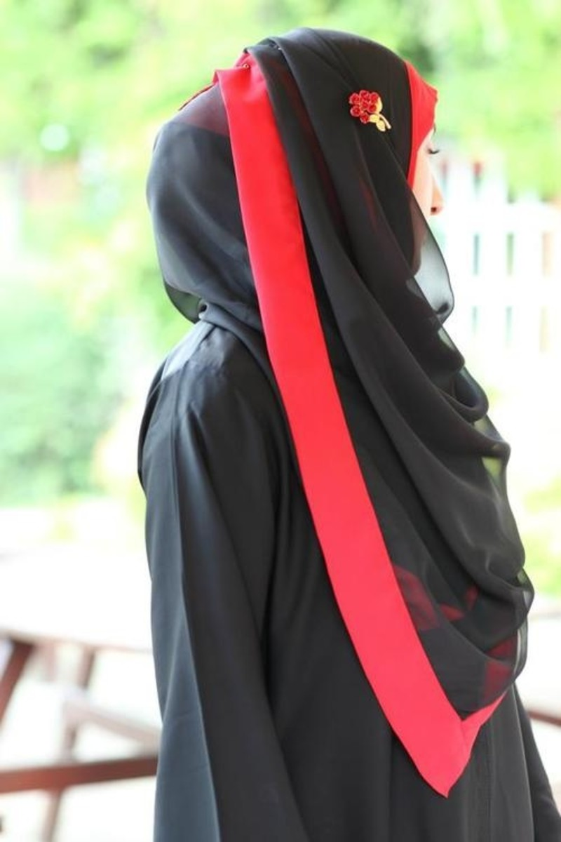 Black and Red classic combination muslimah look.