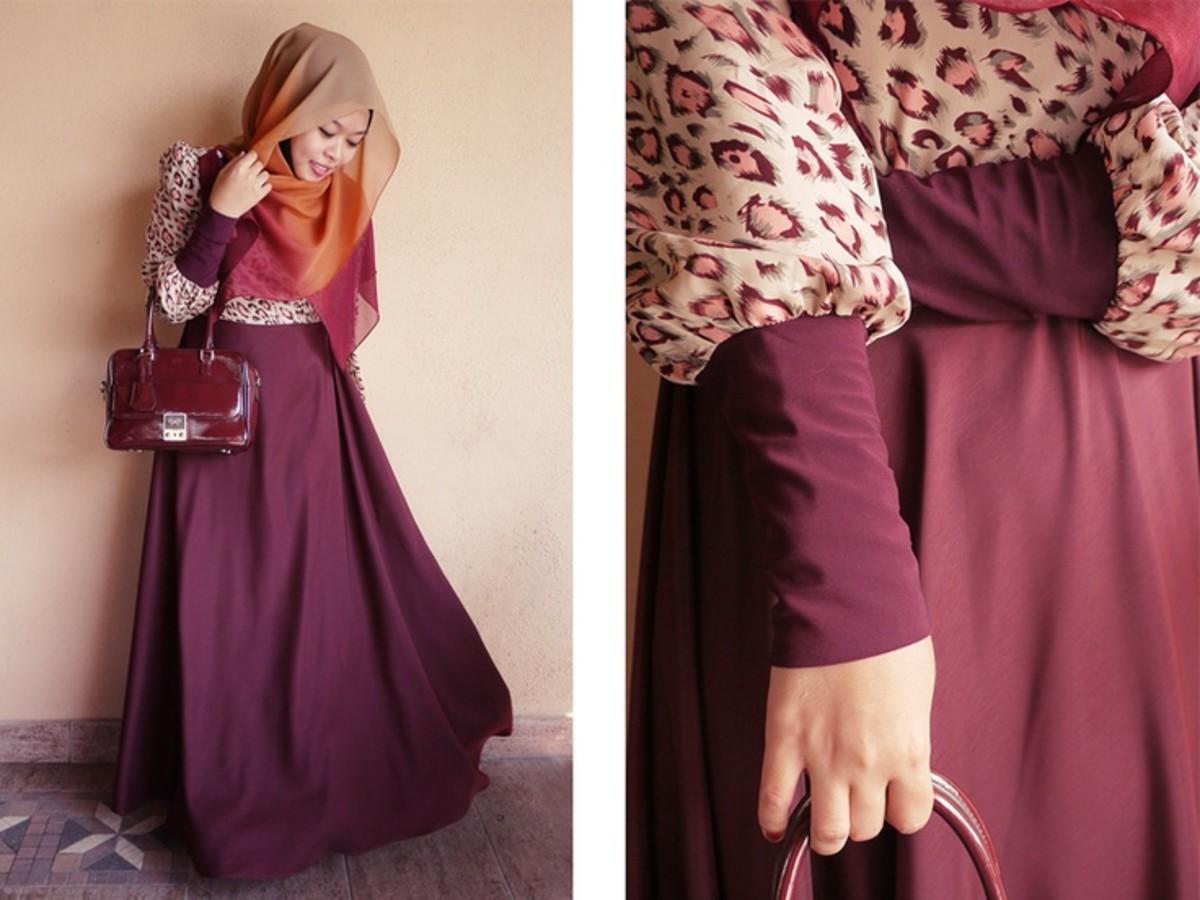 Maroon maxi skirt with animal print. modest hijab