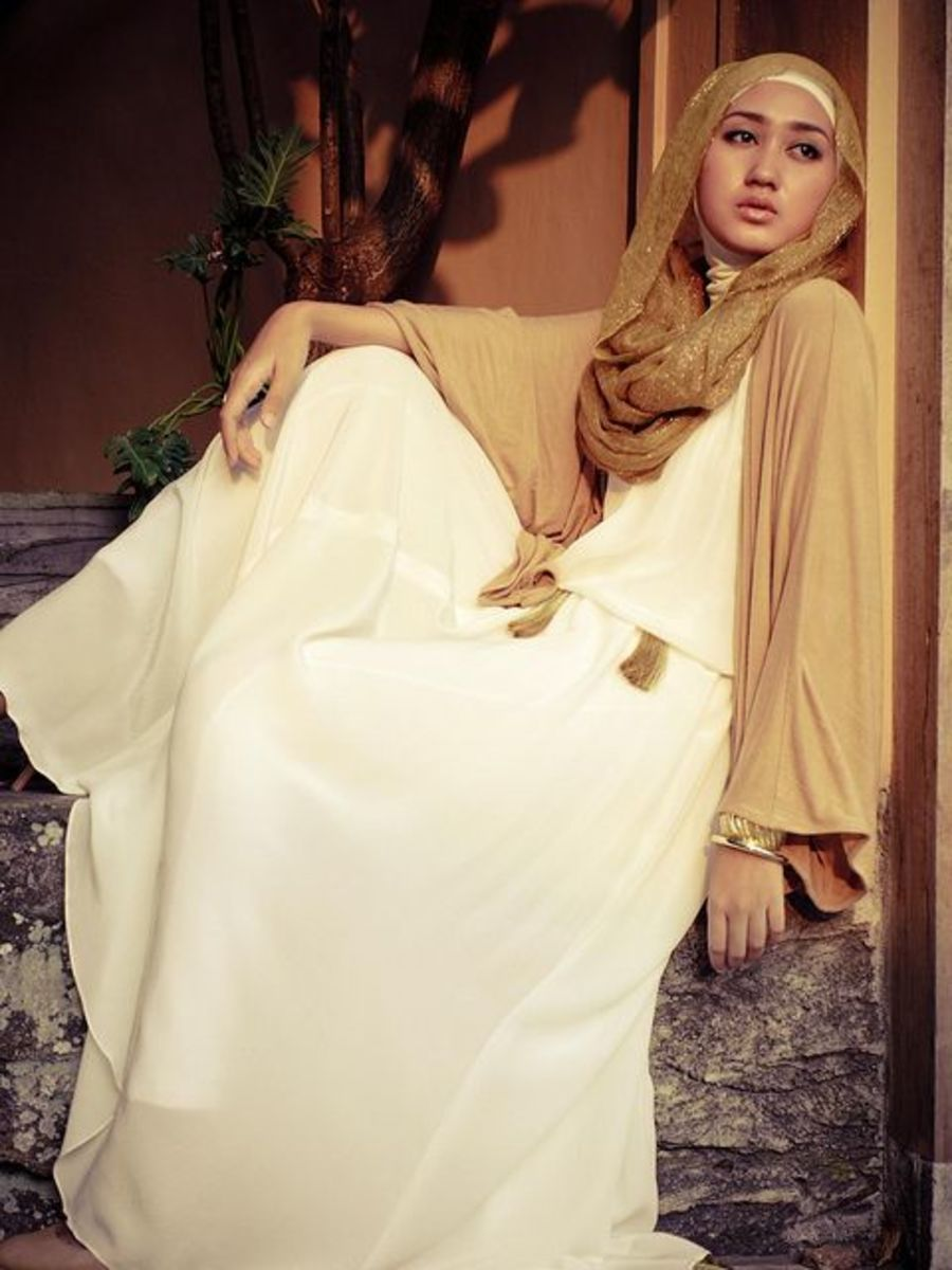 Off white abaya with gold shrug and scarf