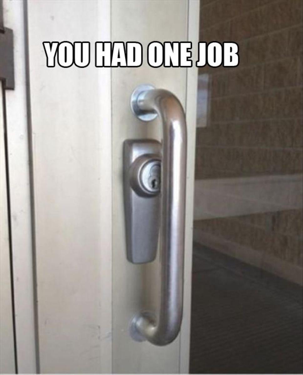 Good luck using the keyhole! Epic fail.