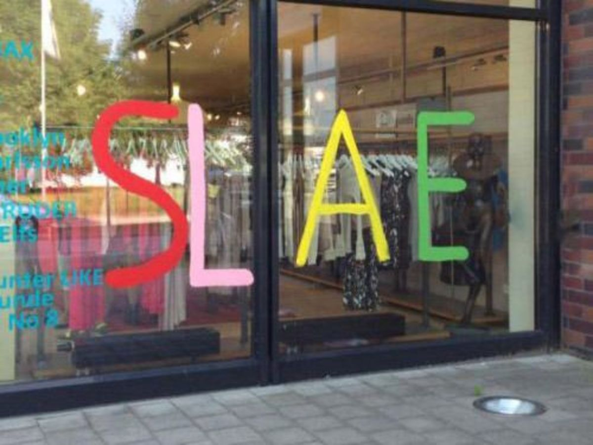 Well the items are on sale, so why bother with the spelling. You had one job and you failed it.
