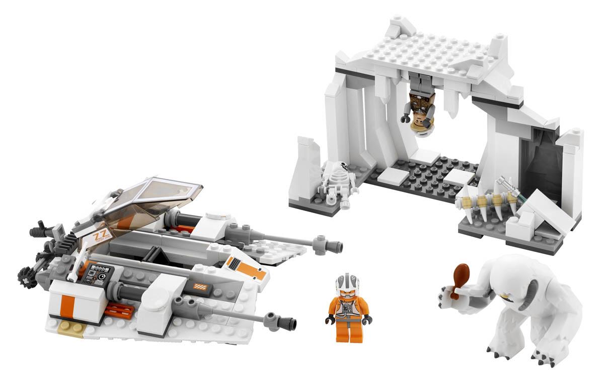LEGO Star Wars Hoth Wampa Cave 8089 Assembled