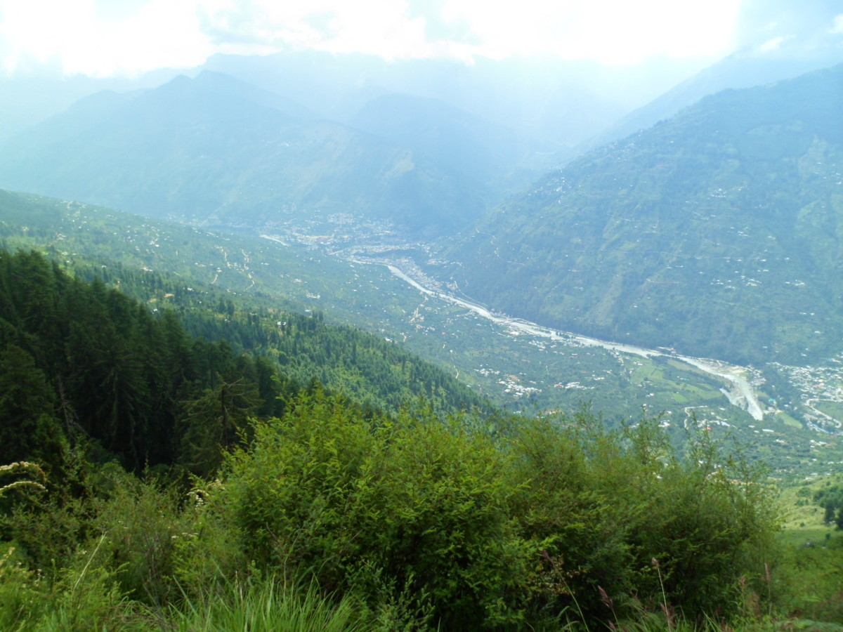 The View of Beas River from Bijli Mahadev at Kullu, The next Photograph of the spot below