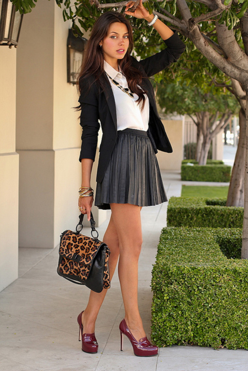 Style Tips on How to Wear a Mini Skirt | hubpages