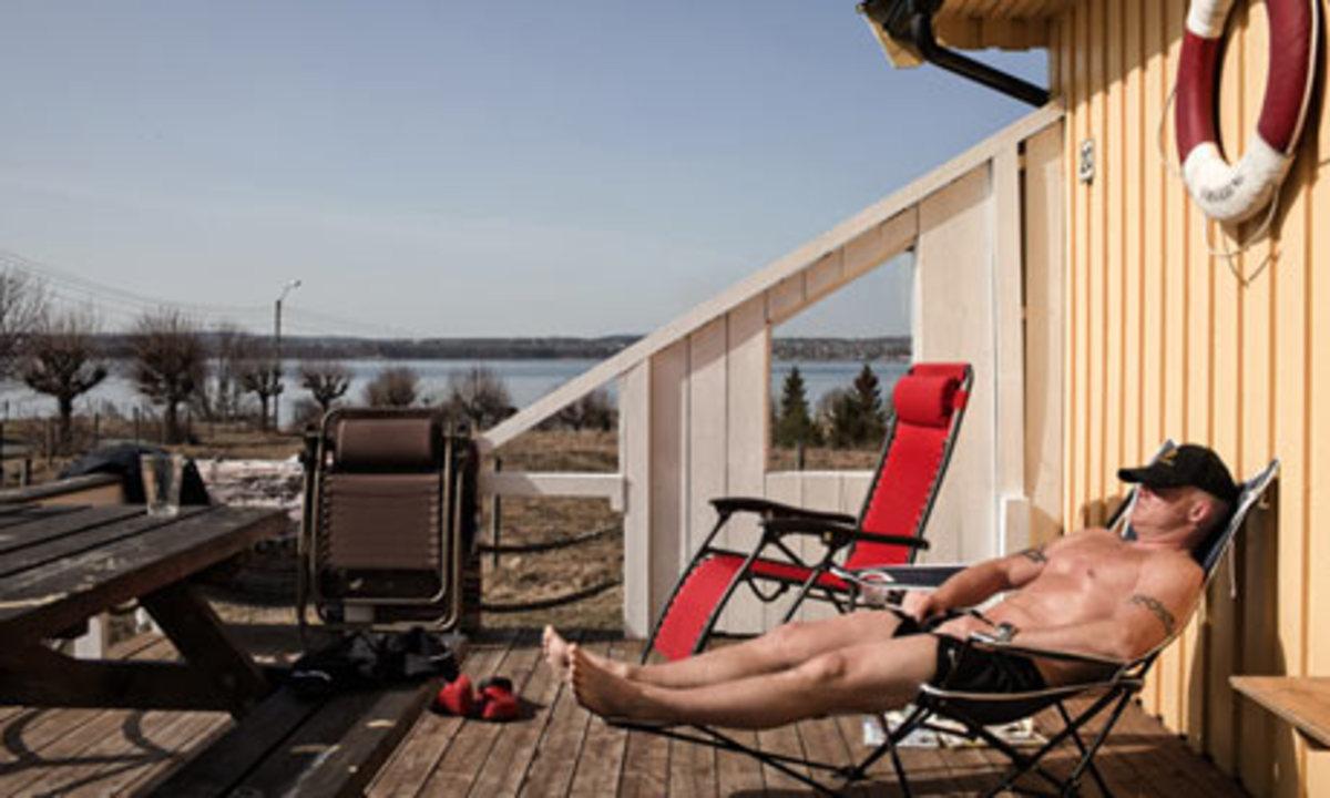 Prisoner Sunbathing while incarcerated!