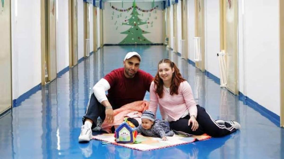 Inside Aranjuez Prison: Family living together