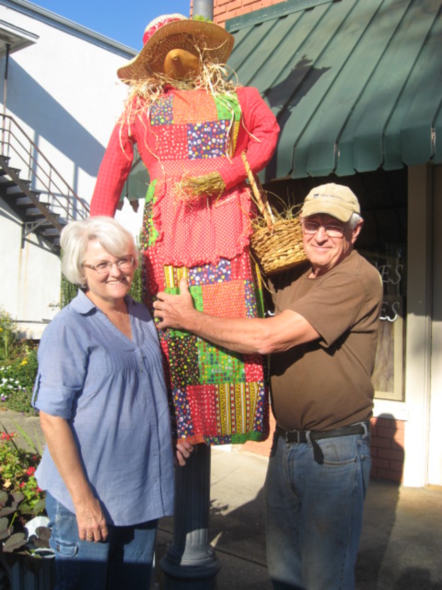 Jo and Pete McConnell - Pendleton Scarecrow Contest