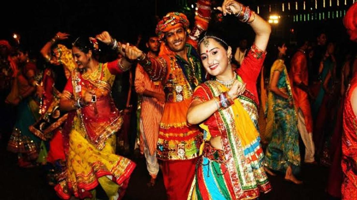 The World famous dance moves of Garba Raas