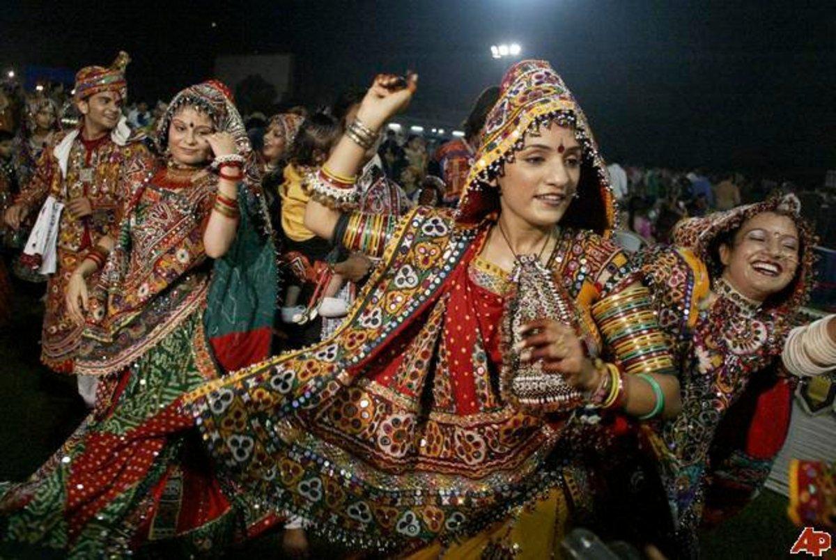 Garba raas dance
