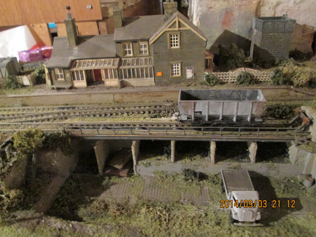 The small coal depot opposite the station platform, long enough to take three hopper wagons. The wagon in the picture is a BR-built hopper. Kit is Parkside PC77 with Modelmaster transfers and Smiths 3-link couplings and weathering for effect