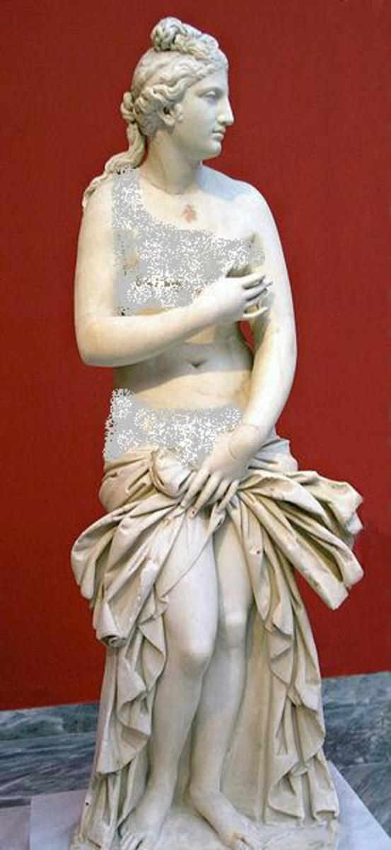 Aphrodite, 2nd century Roman copy after Praxiteles
