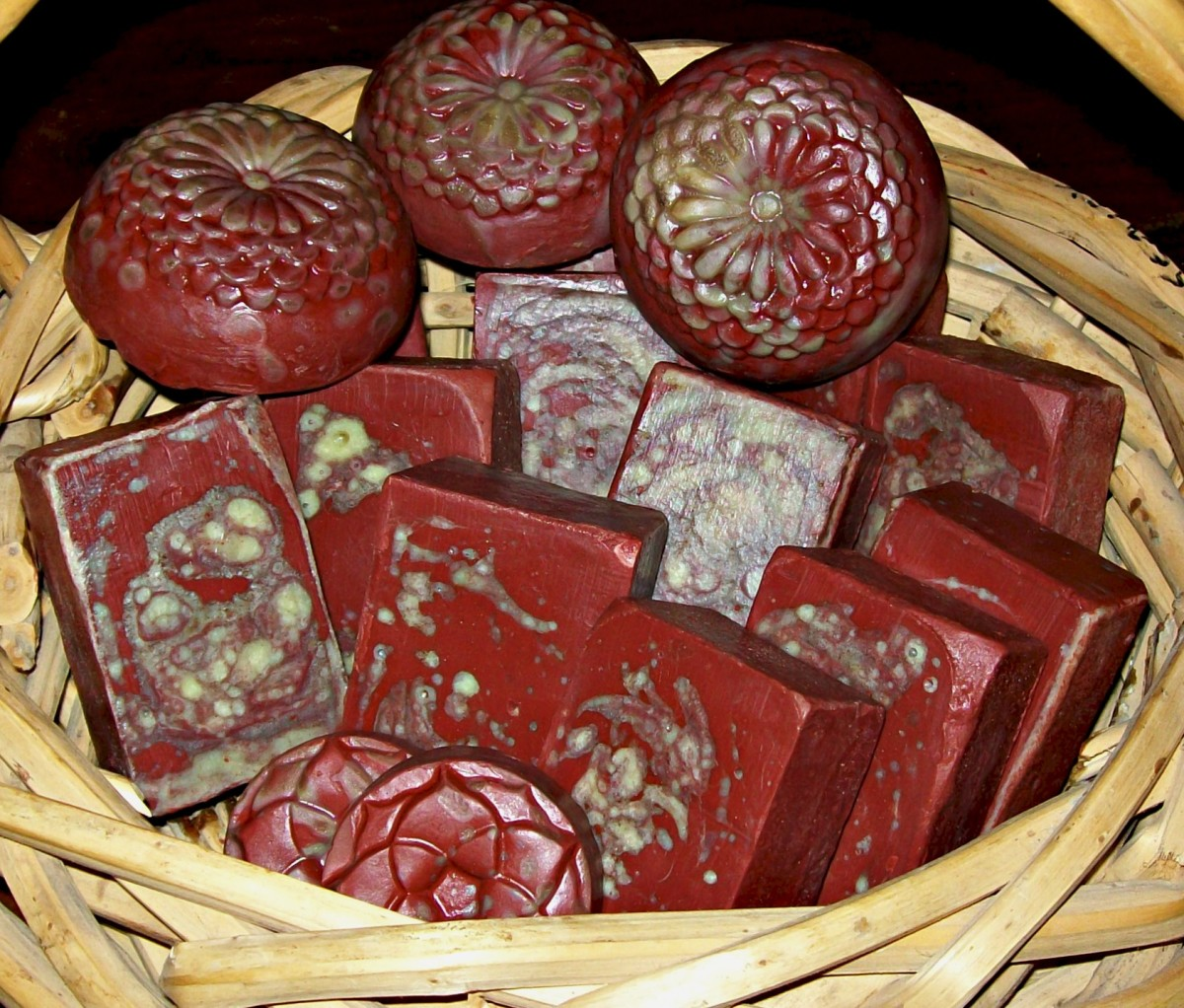 Bastile Soap: Dragon's Blood Ultra-Conditioning Homemade Soap