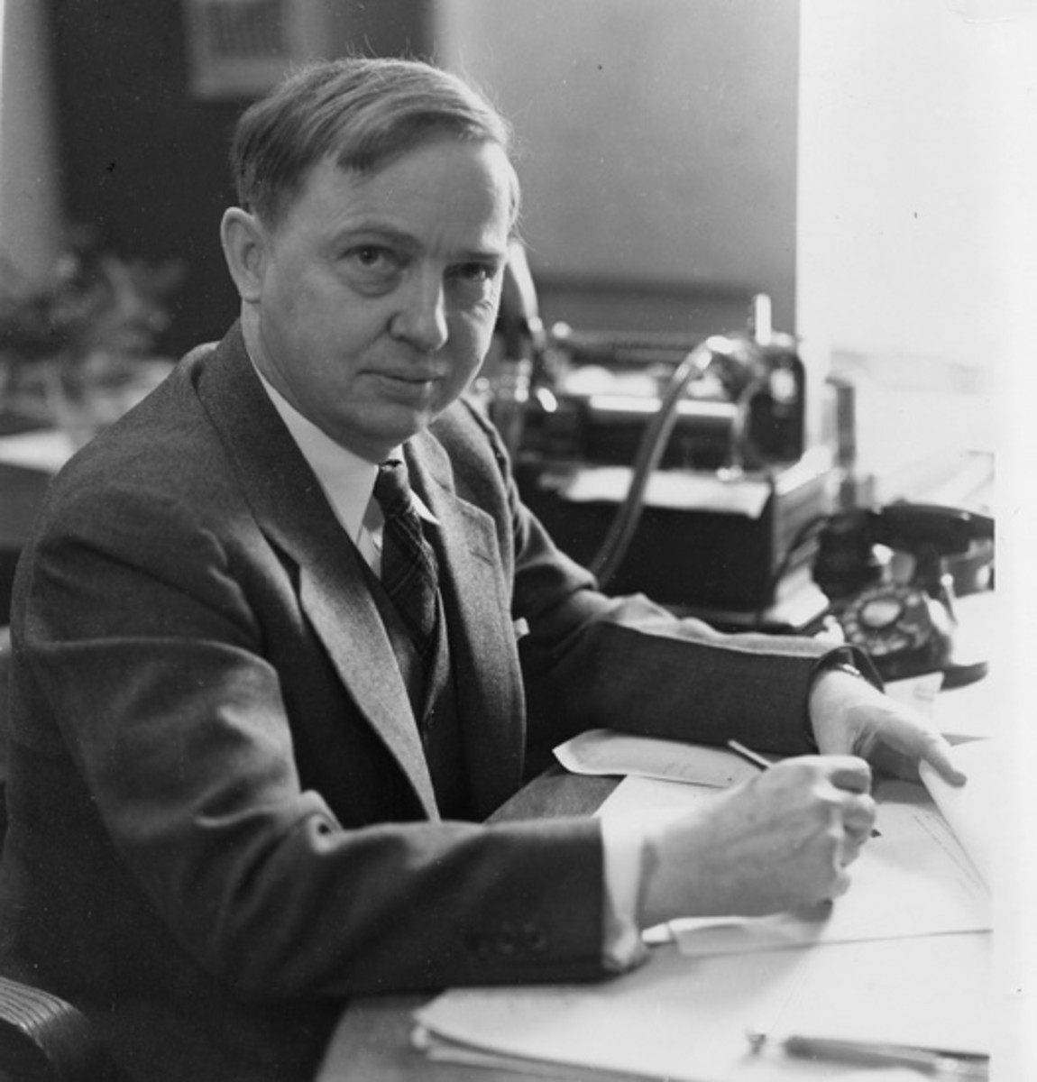 harlow-shapley-an-american-astronomer-who-measured-the-galaxy
