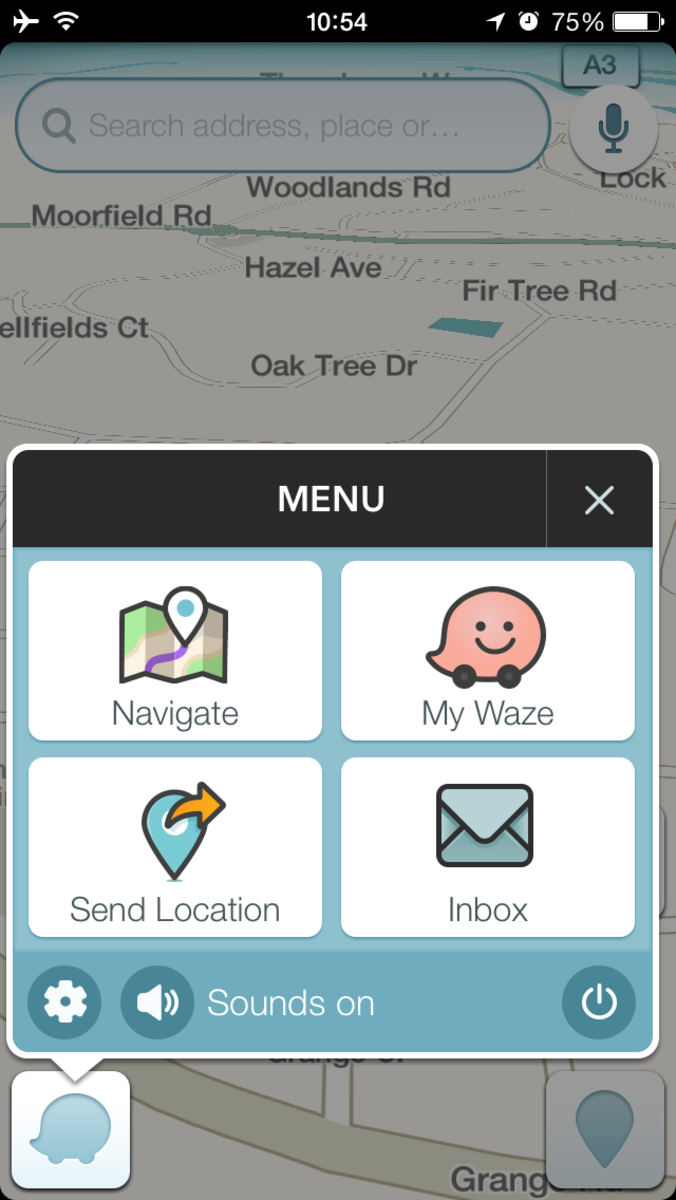 Waze screenshot - is it me, or does the silhouette of the Waze icon (bottom, left) look like a little pig?