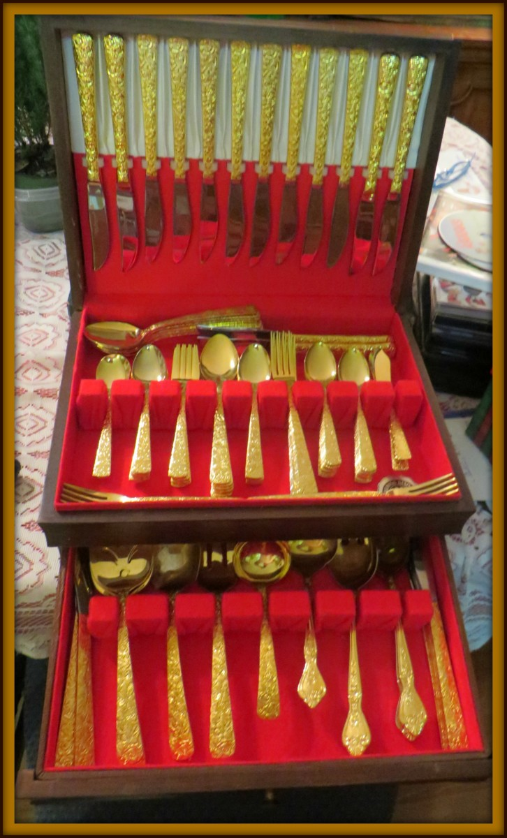 Cellini Romanesque Serving set for Sixteen.  All the pieces are stamped on the back with the Cellini Romanesque logo and the date 1968. This pattern was expired in the year 1992. It is modern and clean and very elegant.