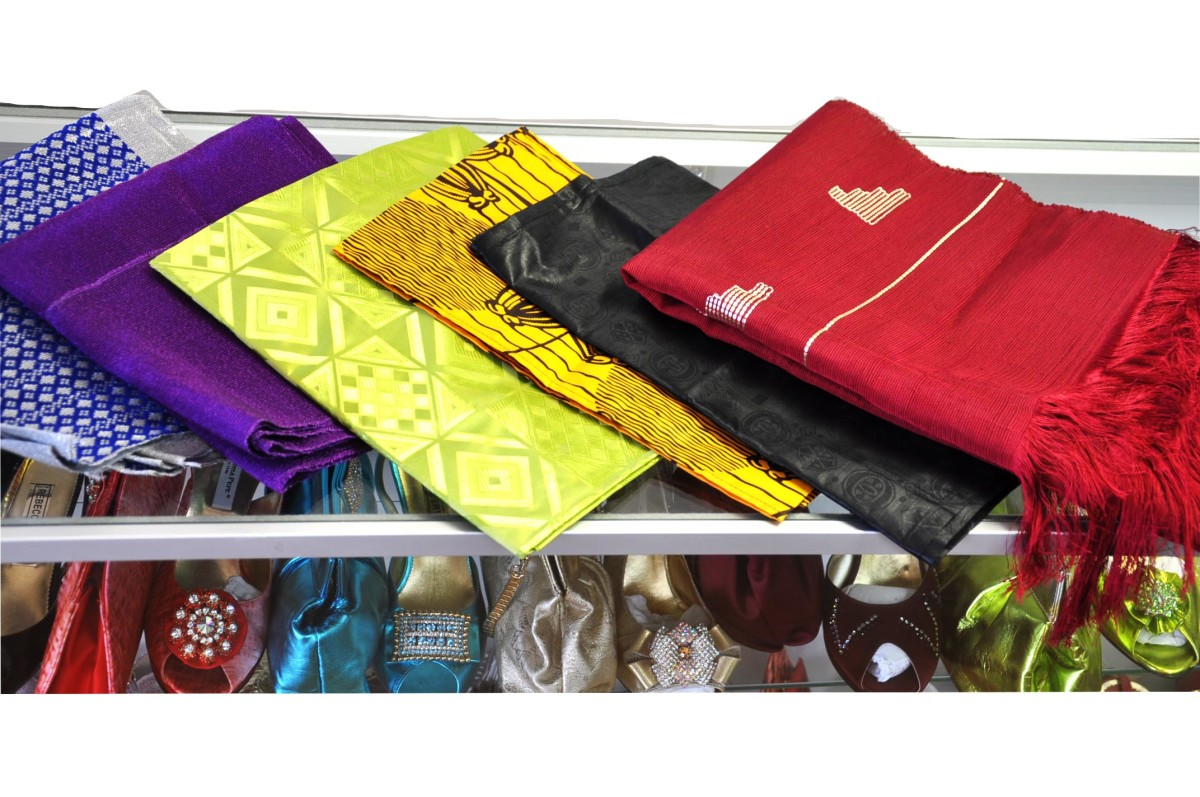 Head tie fabric come in various colors and materials