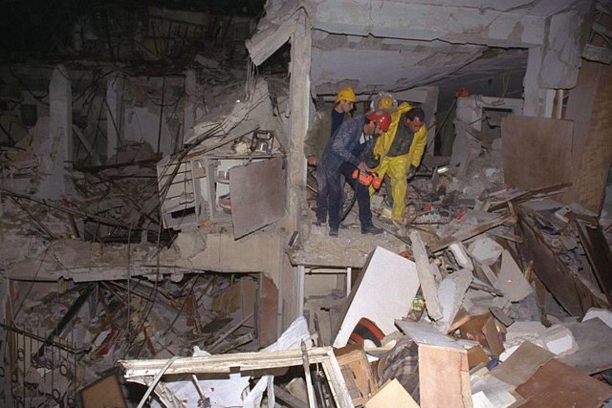 Iraqi SCUD Hits Apartment Building in Tel Aviv Suburb, Israel, January, 1991