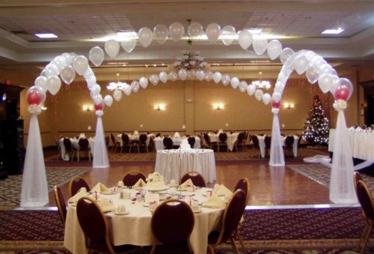 The venue should be tastefully decorated and easily accessible.