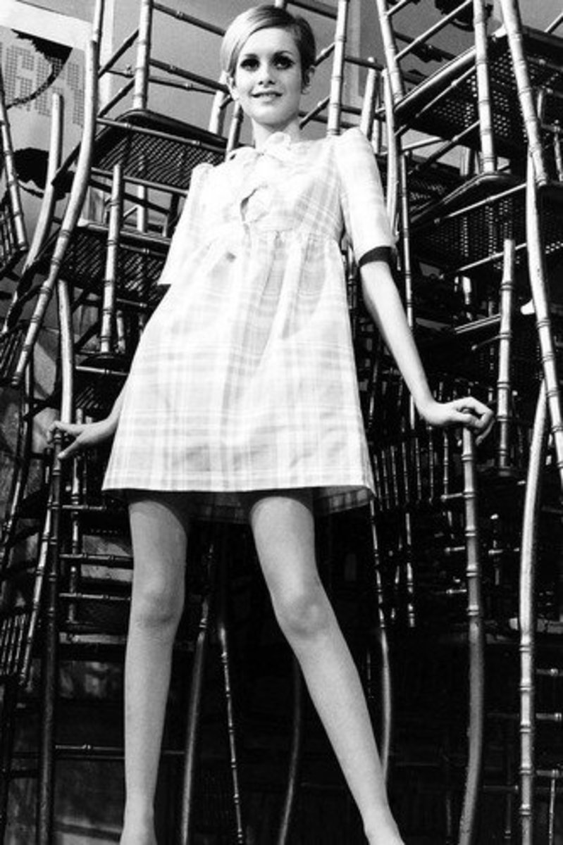 Twiggy, a top model in the 60s, oftend modeld Mary Quant's clothing.