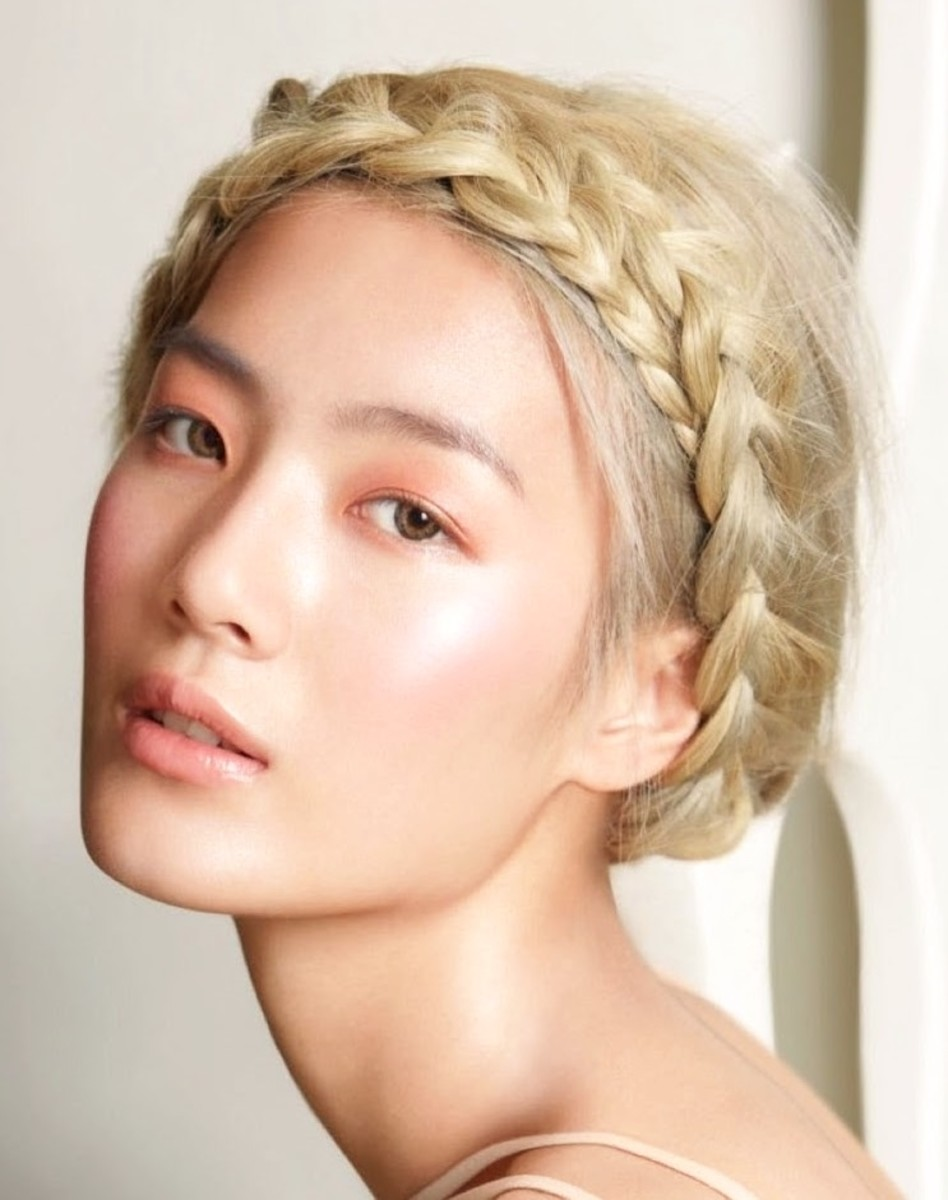 The wrap around braid for Asian women. A great summer look.