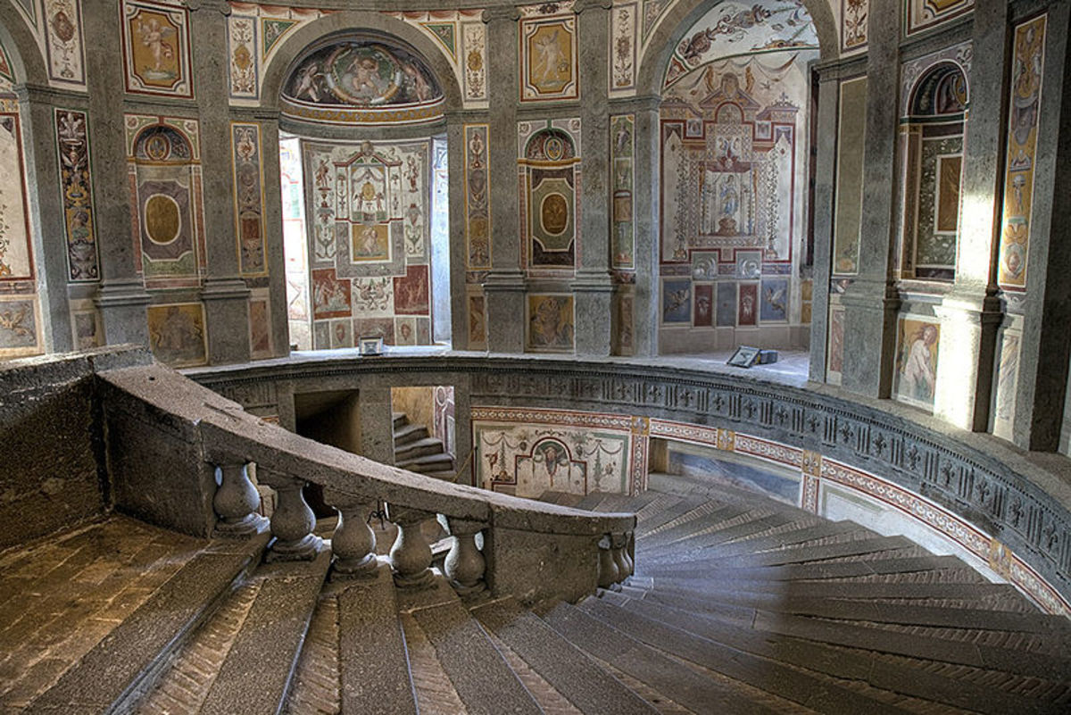 Palazzo Farnese in Caprarola - The spiral staircase designed by Vignola