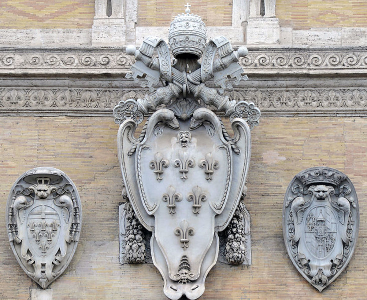 The coat of arms of Pope Paul III Farnese designed by Michelangelo, on the façade of Palazzo Farnese in Rome