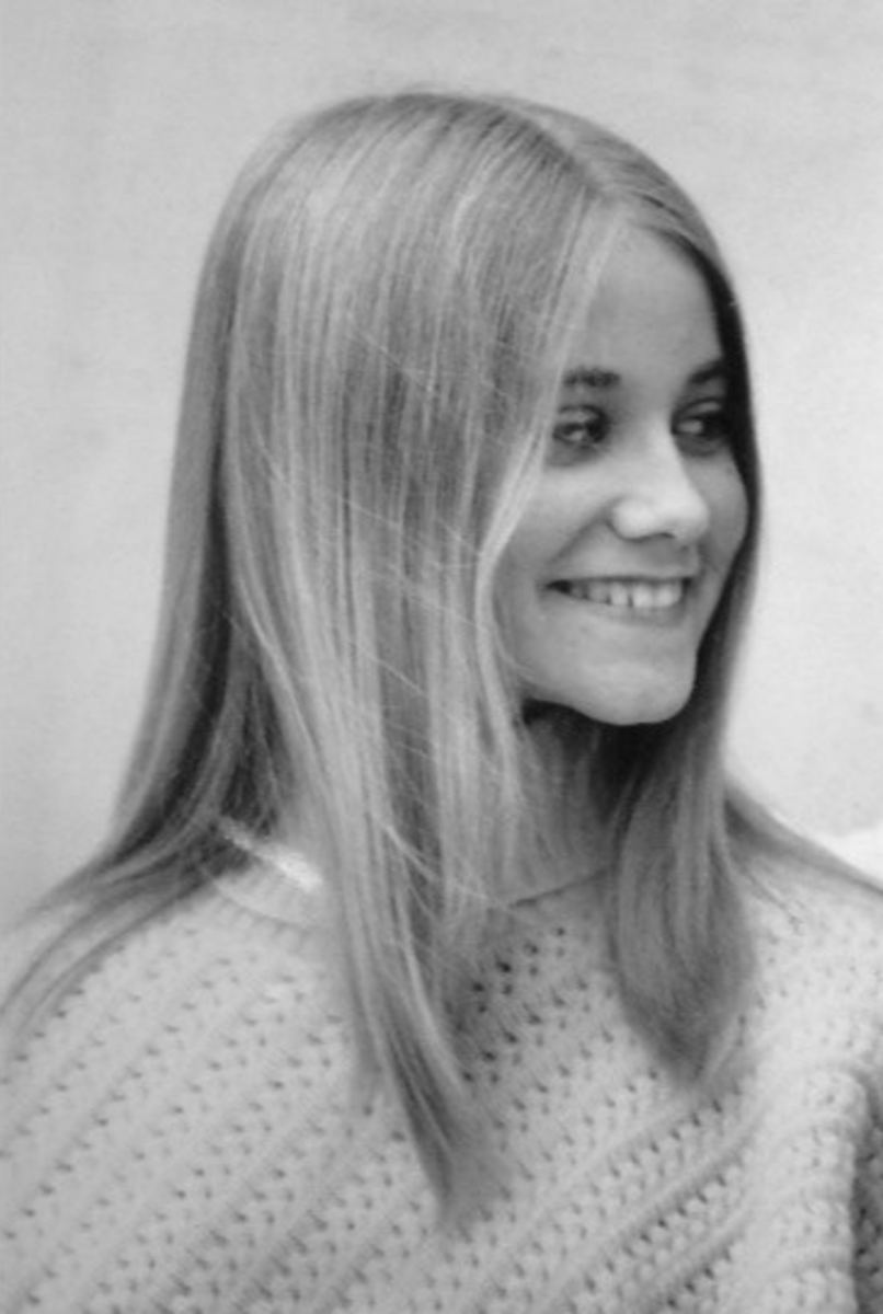 Marcia Brady or Laurie Partridge? Greg Brady or Keith Partridge?