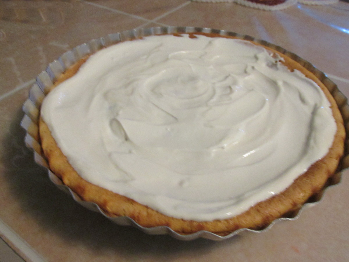 Cooked pie with topping