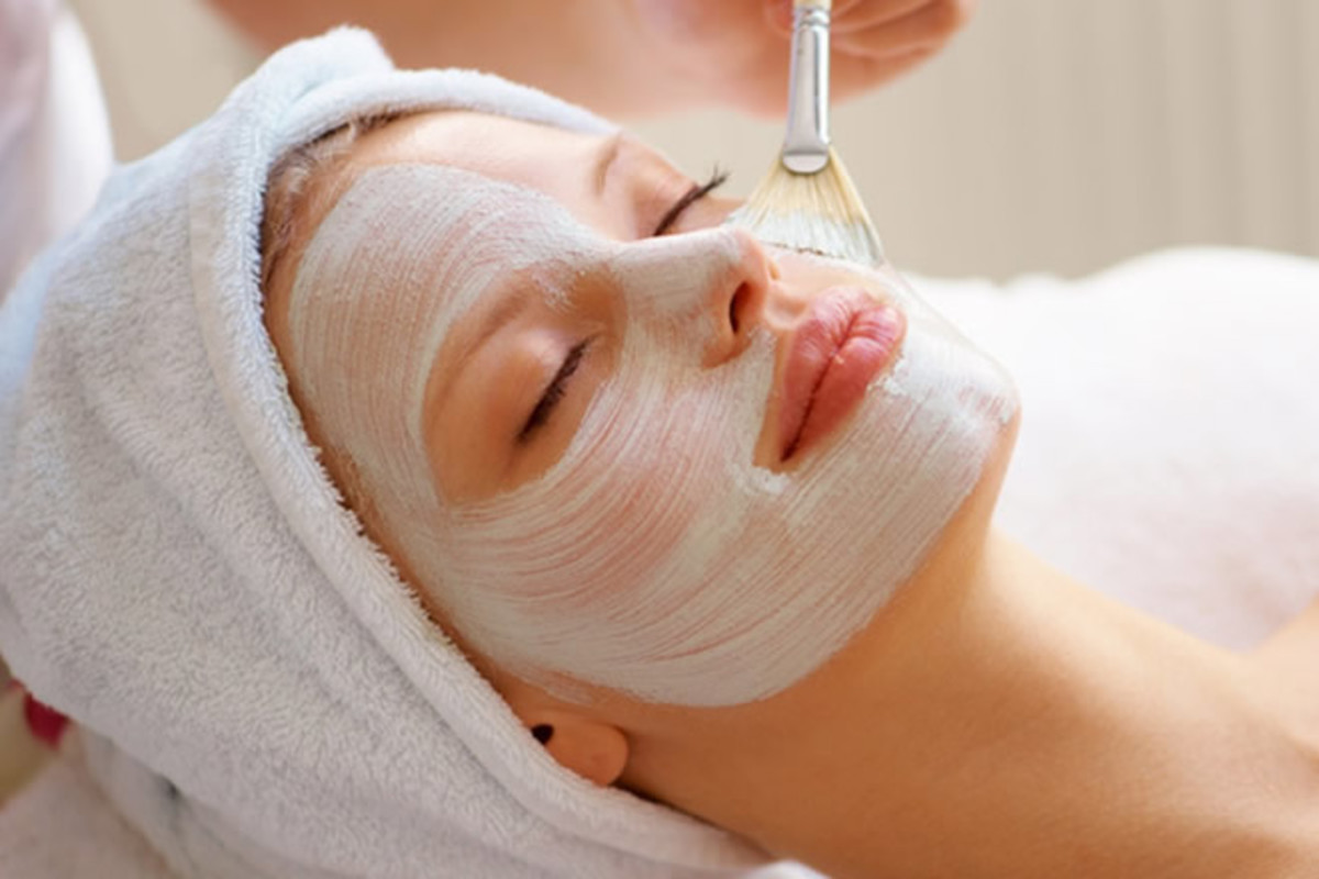 Making your own diy facial mask using natural ingredients is a great way to easy dry skin symptoms
