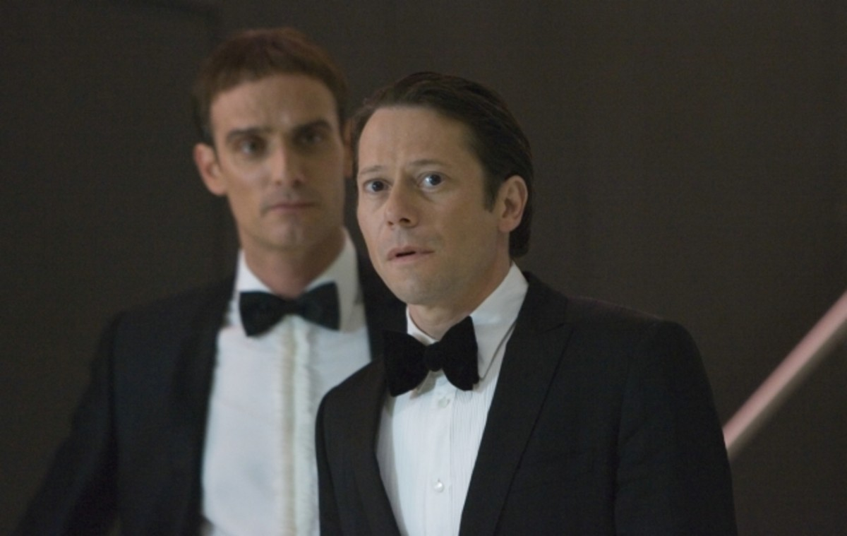 Mathieu Amalric is a very weak baddie compared to Bond...