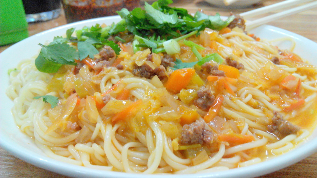 "Mouth watering noodles called ""nu rou gan ban"""