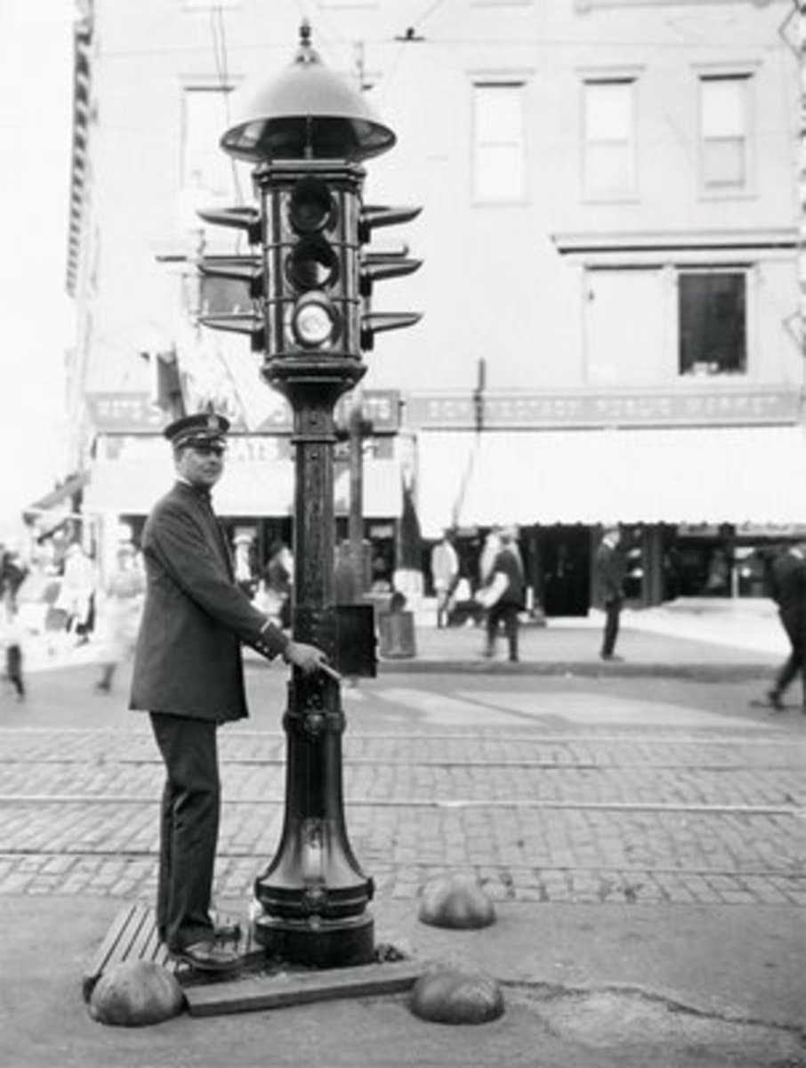 Who invented the traffic light?