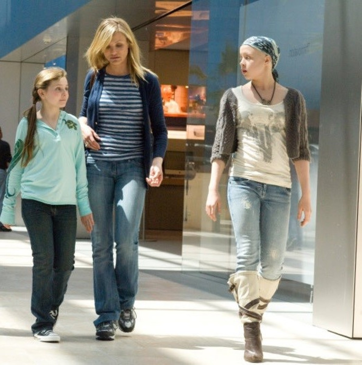 Cameron Diaz, Sofia Vassilieva, and Abigail Breslin in My Sister's Keeper (2009)