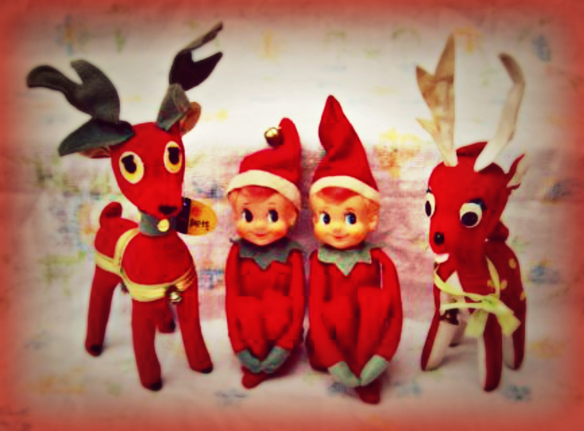 These Knee Huggers and Dream Pets Reindeer are not only toys but prized ornaments. I have seen many great collections of Elf's, and I know how dear my own Dream Pet and Knee Hugger collection is to me.