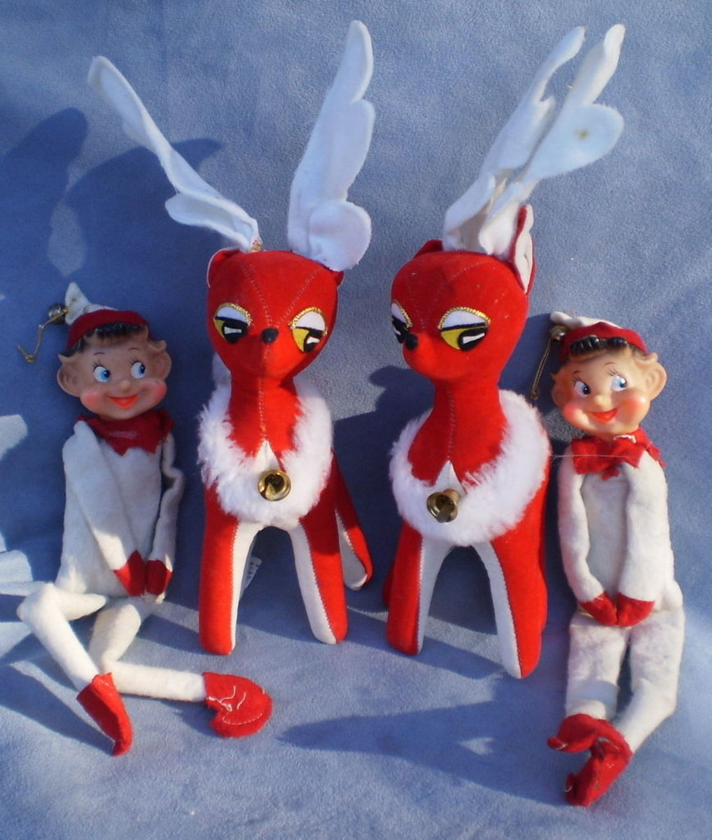 Dakin Dream Pets, Christmas Reindeer, and Knee hugger Elf's