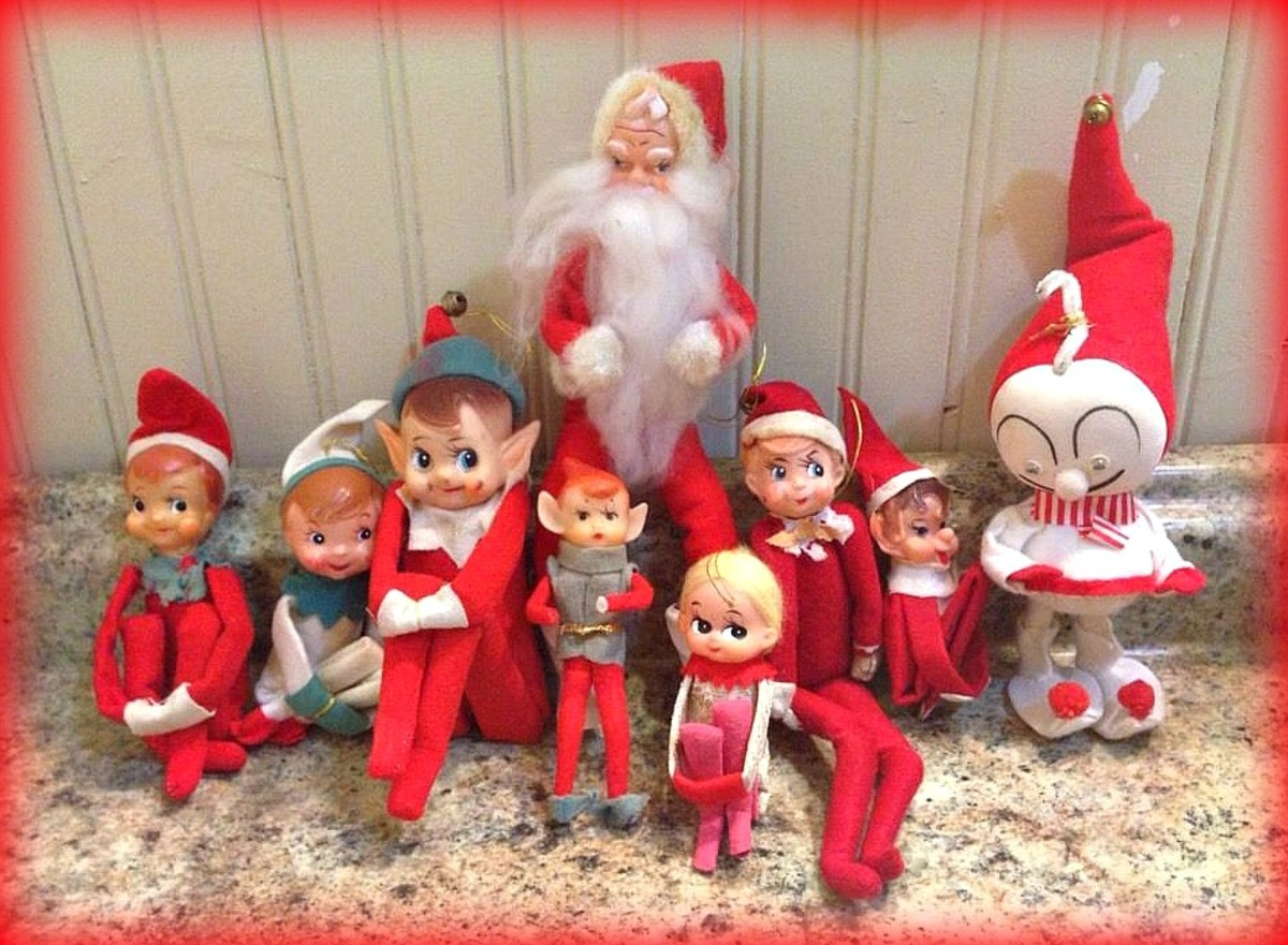 It is fun to mix and match the Knee Hugger Elf's with other Christmas figure from the same era. Makes for great photos and center pieces for a holiday table.