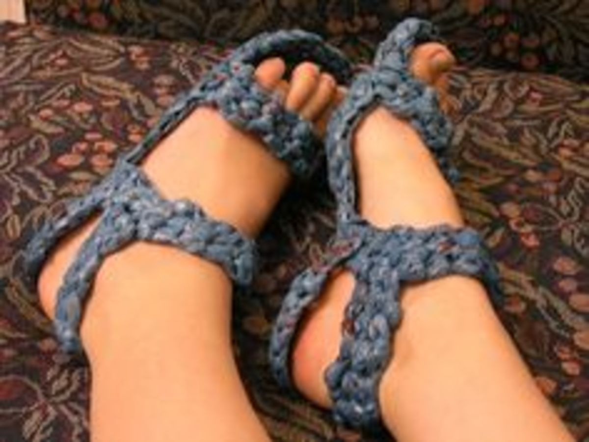 Plarn can look awesome when done right, like with these eco-friendly sandals.