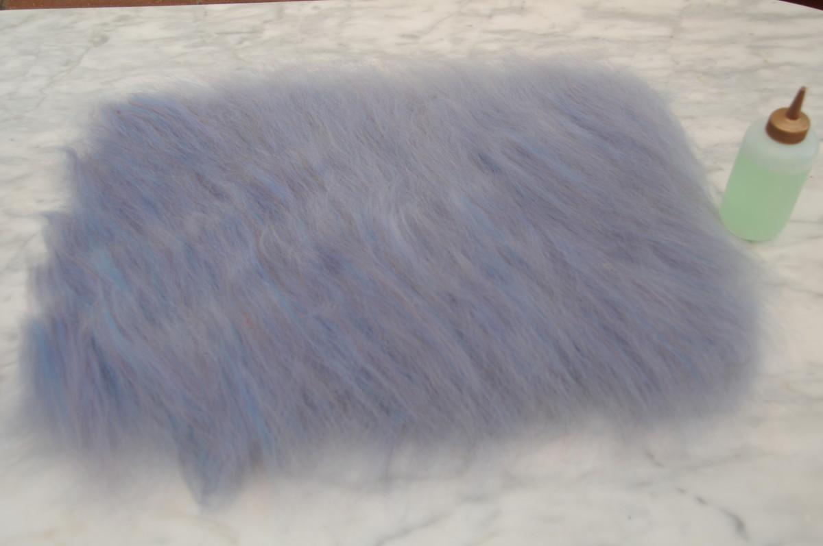 Second layer of woolen fibers