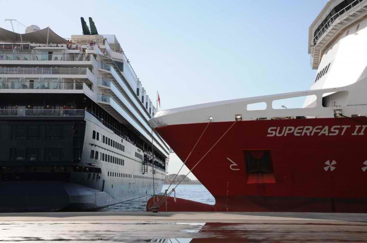 Superfast II collides with another cruise ship...