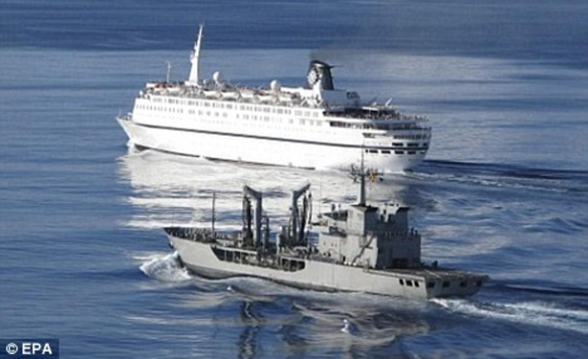 Cruise Ship Melody attacked by Somali pirates